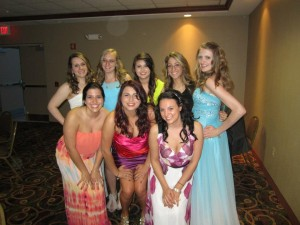 Some of the sister of Alpha Sigma Alpha.